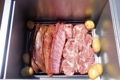 Distribución sugerida: Costillar de cerdo y patatas.