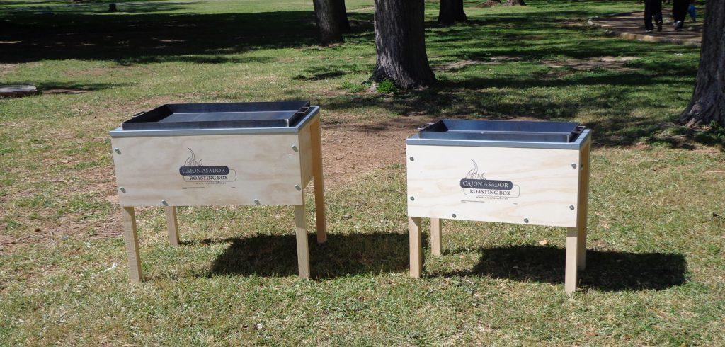 Se muestran los dos modelos de cajoes asadores disponibles
